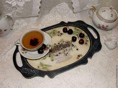 """Купить Поднос """"Ежевичный чай"""" в интернет магазине на Ярмарке Мастеров"""