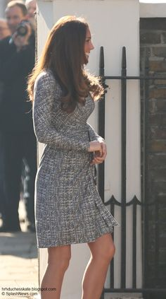 Duchess Catherine Visits Hope House - Catherine is roughly 4 1/2 months prefgnant displayed her blossoming baby bump at the addiction centre looking tanned & healthy following a holiday on the paradise island of Mustique.