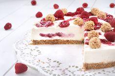 Eine leckere und erfrischende Kühlschranktorte, die schnell zubereitet ist, da sie nicht gebacken wird! Zubereitung: 30 Min. Kühlzeit: 3,5 Std. Zutaten für eine Torte mit 26 cm: Knusperboden: 200 g Vo (Sweet Recipes Cake)