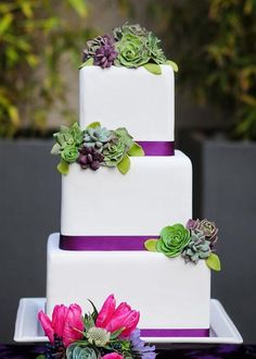 145 Creative Wedding Cakes Ideas: http://www.jollyweds.com/145-creative-wedding-cakes-ideas/