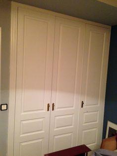 3 hojas de armario modelo FORTUNY  lacado en blanco.
