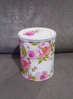 Tin Can Crafts, Crafts To Make And Sell, Jar Crafts, Bottle Crafts, Diy Crafts Hacks, Diy And Crafts, Tin Can Art, Diy Makeup, Shabby Chic Furniture