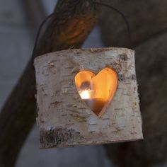 https://www.sassandbelle.co.uk/Small Heart Bark Tealight Holder