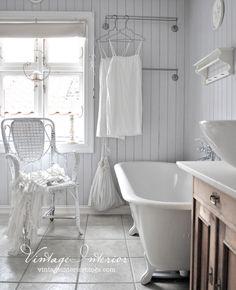 Vintage Interior - A Beautiful Bathroom!