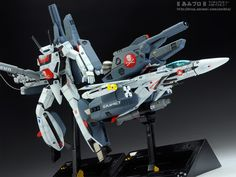 -----Based on our Japanese blog----- Hey there, Shizu-Mecha here. It's been awhile since we've had a WAVE plastic model kit on the AmiAmi Blog, but that ends today! From the Macross film Do you Remember Love? I give you both Hikaru's VF-1S Strike Valkyrie Battroid and VF-1S Fighter in one preview! Can you believe it's been 30 year since this movie blew anime fans away? The animation is still mesmerizing--I'll never see enough Itano circuses! Macross: Do You Remembe...