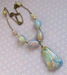 Pretty VINTAGE Opal Foiled Glass Bead Drop NECKLACE