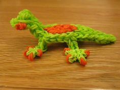 Rainbow Loom Gecko Lizard Charm tutorial by Lovely Lovebird Designs. Gomitas