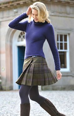 Tweed mini kilt worn with thick tights. Tartan Skirt Outfit, Tweed Skirt, Skirt Outfits, Dress Skirt, Cool Outfits, Irish Fashion, Country Fashion, Tartan Fashion, Skirt Fashion