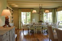 Q&A with Phoebe: Breakfast Room Lighting