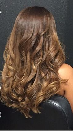 42 New ideas hair color caramelo honey balayage colour Honey Brown Hair, Brown Blonde Hair, Brunette Hair, Light Auburn Hair, Light Brown Hair, Hair Color Balayage, Hair Highlights, Honey Balayage, Hair Color And Cut