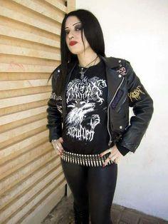 39d9b05b6 Las 40 mejores imágenes de Camisetas Grupos música Mujeres Rockeras ...