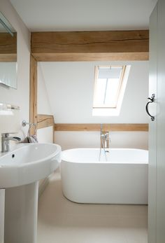 Border Oak Cottage Bathroom