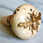 Vintage Knob with bumblebee motif
