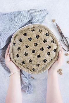Earl grey blueberry pie http://www.cloudykitchen.com/blog/2017/6/18/earl-grey-blueberry-pie Erin @ Cloudy Kitchen