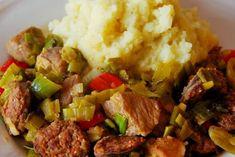Η πρασοτηγανιά είναι ένα απο τα αγαπημένα μας χειμωνιάτικα γρήγορα φαγάκια. Σήμερα θα σας παρουσιάσω μια εμπλουτισμένη παραλλαγή της, με χωριάτικο λουκάνικο. Απλή και νόστιμη συνταγή, εμάς μας ενθουσίασε οικογενειακώς. Beef, Food, Meat, Essen, Meals, Yemek, Eten, Steak