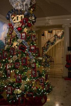 christmas tree louisiana capitol batonrouge marked the bicentennial of louisiana