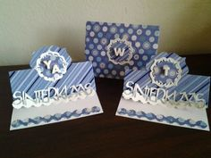 I used the Sizzix tent fold card set to create a set of Sinterklaas cards. The blue cardstock design is consistent with Sinterklaas colors.   If the cricut sw would have worked on my old machine, the letters would have been welded, smaller, and attached to a strip at the bottom.    Winter Solstice paper from DCWV. Sizzix Stephanie Barnard Regal Stand-Ups die.