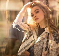 Sabrina Carpenter - Coach 1941 Spring 2017 Collection for Vanity Fair, Sabrina Carpenter Style, Outfits and Clothes. Superstar, Estilo Sabrina Carpenter, Girl Meets World, Woman Crush, Vanity Fair, Role Models, Beautiful People, Ideias Fashion, Like4like