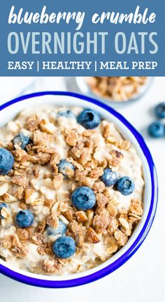 These blueberry crumble overnight oats are loaded with blueberries and topped with a crunchy, gluten-free crumble. It's like having a dessert for breakfast, but still healthy! Perfect for meal prep as a healthy snack or breaftast! Gluten-free, dairy-free + vegan. Healthy Oatmeal Recipes, Healthy Vegan Snacks, Good Healthy Recipes, Healthy Eats, Keto Recipes, Gluten Free Crumble, Gluten Free Oats, Dairy Free, Blueberry Overnight Oats