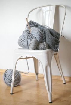 Tolix chair & wool: nice contrast of materials!