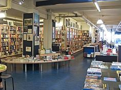 Athenaeum Boekhandel Haarlem, Gedempte Oudegracht 70 - Athenaeum Boekhandel