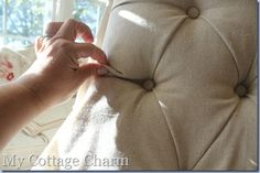 How to Diamond Tuft and Upholster a Chair - great self-taught tutorial! She had flat-back chairs that she gave tufts! Diy Furniture Upholstery, Furniture Projects, Furniture Makeover, Diy Projects, Furniture Outlet, Furniture Stores, Tufted Chair, Upholstered Chairs, Bedroom Chair