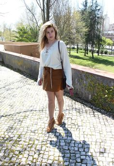 Coco and Jeans: Outfit: Tan Suede and Lace Up