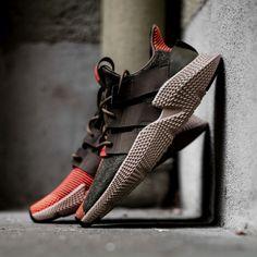 a920650e64f Secrets Of Sneaker Shopping – Sneakers UK Store
