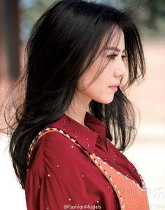 Chinese actress Gao Yuanyuan  http://www.chinaentertainmentnews.com/2015/11/gao-yuanyuan-covers-elle-magazine.html