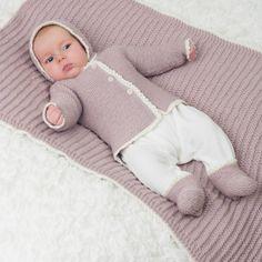 DG310 Baby Hentesett | Dale Garn Knitting For Kids, Baby Knitting Patterns, Little Darlings, Beautiful Babies, Kids Rugs, Children, Crochet, Leather, Baby Knits