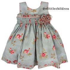 Apaixonante este vestidinho da @elittlechildrem. À venda no www.elitllechildren.socialbuy.com.br