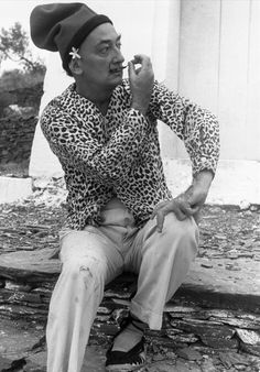 Dali,priceless look, spadrilles and animal print...Bet is was real. No PETA then...