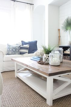 Furniture Arrangement and Interior Design Hamptons Living Room, Coastal Living Rooms, Boho Living Room, Living Room Interior, Living Room Decor, Dining Room, Furniture Layout, Furniture Arrangement, Arranging Furniture
