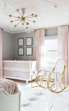 A Perfect Pink & White Nursery Our pink & white marble wallpaper mural makes an elegant feature in a Pastel Nursery, White Nursery, Blush Nursery, Elegant Baby Nursery, Calming Nursery, Pink Gold Nursery, Rose Nursery, Baby Room Design, Baby Room Decor