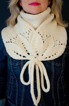Brillian scarf idea ~ a way to finish and wear ~ Ravelry: White River Junction pattern by Natalie Marshall Knit Or Crochet, Crochet Shawl, Knit Cowl, Hand Crochet, Crochet Cats, Crochet Birds, Crochet Food, Cowl Scarf, Crochet Granny