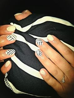 Nails#white#striped#cute#