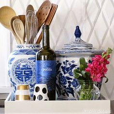 I'm so stealing this great idea from my girl Pam @pamsimpledetails for using ginger jars for storing kitchen utensils! Such a great idea to add pattern and color but also incorporate function. If you have an extra jar, here is a great use! I swear I get lost for hours on Pam's blog @pamsimpledetails be sure and check her out! #lovethatgirl #getorganized  #organize