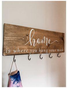 Key Hanger For Wall, Wall Key Holder, Diy Key Holder, Wooden Diy, Wooden Signs, Wooden Key Holder, Hanging Signs, Diy Mask, Crafty