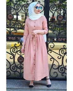 This scarf is a vital part inside apparel of ladies by using hijab. As it is the most important adornment of Modern Hijab Fashion, Muslim Women Fashion, Islamic Fashion, Abaya Fashion, Modest Fashion, Fashion Outfits, Fashion Muslimah, Style Fashion, Hijab Chic