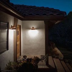 The BOOM Copper LED Outdoor Wall Light by Bega provides beautiful modern design and functional illumination to your home's exterior. Best Outdoor Lighting, Led Outdoor Wall Lights, Outdoor Light Fixtures, Outdoor Wall Lighting, Exterior Lighting, Outdoor Walls, Lighting Ideas, Porches, Contemporary Outdoor Wall Lights