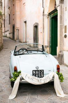 Bon voyage! Such a sweet statement for a #wedding #getaway car.