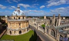 تعرف على طرق وأسعار السكن في المدينة…: تشتهر أكسفورد بأنها مدينة الأبراج الحالمة، التي تقدم مساحات واسعة خضراء مفتوحة، ومدارس جيدة ومباني…