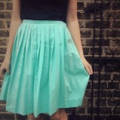 Maybe one day my sewing can be up to par to make this. We can't get enough of pleated skirts! Learn how to DIY your own with this tutorial (via By Hand London)
