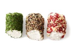 Prepare great appetizers from Food Network Magazine in less than 15 minutes.Goat Cheese Trio (No. a log of goat cheese crosswise into 3 mini logs. Roll 1 piece in chopped mixed herbs, … Quick And Easy Appetizers, Easy Appetizer Recipes, Great Appetizers, Easy Recipes, Cheese Appetizers, Dinner Recipes, Best Thanksgiving Appetizers, Holiday Appetizers, Holiday Foods