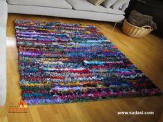 #sadasi LAS MEJORES CASAS DE MÉXICO. Las alfombras indias se basan en motivos florales y están  fabricadas de lana o seda, resaltando los colores vivos, así como las tonalidades fuertes. Se utilizan generalmente en estancias, aunque también las puede colocar en recámaras. En Grupo Sadasi, le invitamos a llamarnos, nuestros asesores le atenderán con gusto. 01(800)10801080.