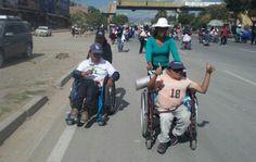 Discapacitados amenazan con inmolarse si el Gobierno no atiende sus demandas | Radio Panamericana