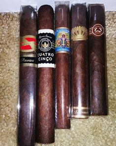 Todays mini haul! Cigars And Whiskey, Good Cigars, Pipes And Cigars, Cuban Cigars, Whisky, Smoke On The Water, Up In Smoke, Wooden Pipe, Cigar Art
