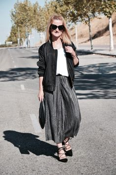 Muy buenos días! http://www.diseneitorforever.es/pleated-culotte-look/ #outfit #outfitoftheday #look #lookoftheday #style #styleblogger #autumn #otoño #fashion #fashionblogger