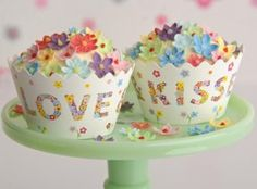 cupcake wrappers-love and kisses