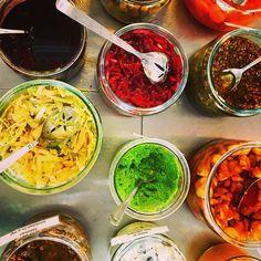 Suomen luomuisin lounas ja niin maukas ja todella kaunis. Kiitos @harman_rati Kiitos lounasseurasta @kristakorko @katja_heinonen  @timanttirohkeus